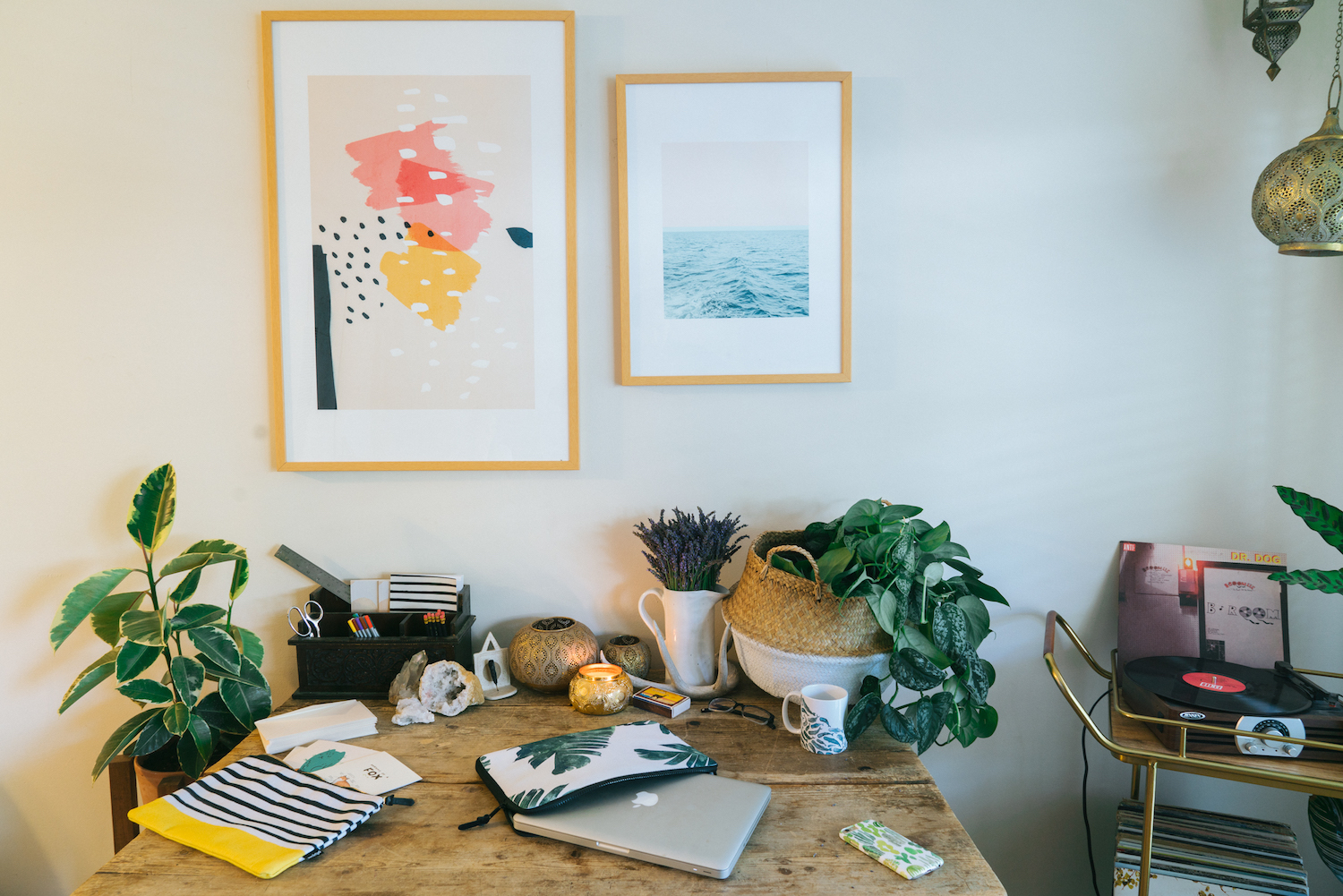 Floral Designer Annie Armstrong Of Best Day Ever Is Here To Give You 5 Easy  Tips For Refreshing Your Desk That Are Guaranteed To Brighten Your Day And  ...